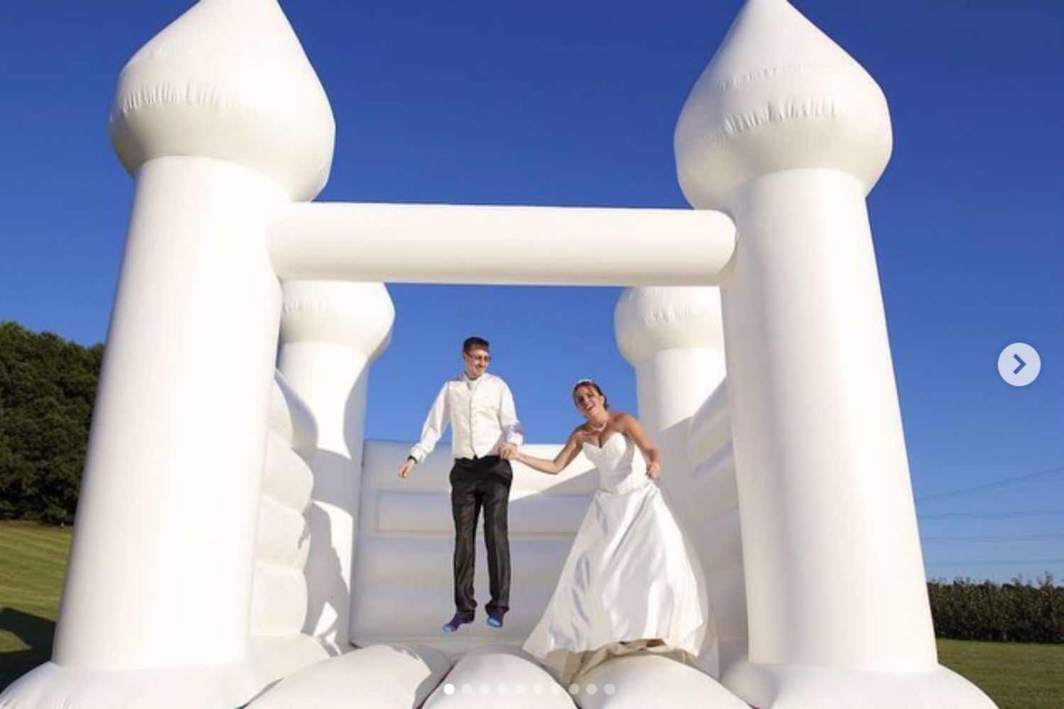 People are now renting WEDDING JUMPING CASTLES for their big day