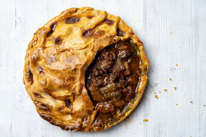 Meat Pie A Complete Guide To The Australian Pie New Idea Food